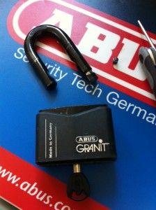 ABUS Granit padlock Shackle Removed